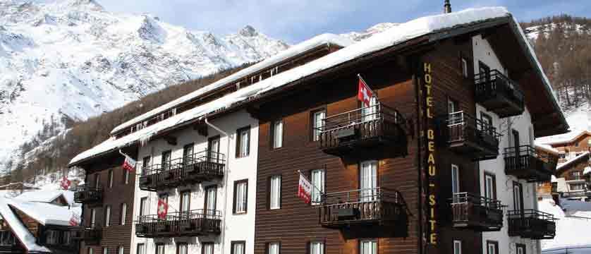 switzerland_saas-fee_hotel-sunstar-beausite_exterior.jpg